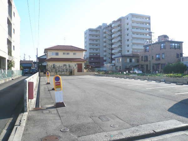 別明町 第1 駐車場( 12台 )    通路広々♪