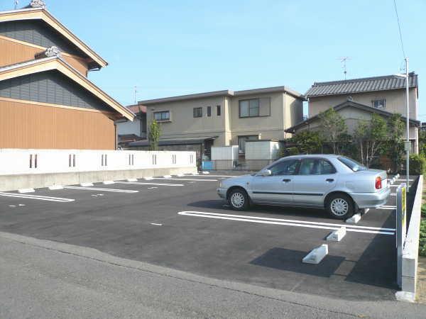時之島 第1 駐車場( 12台 )  ☆..:*:・゜ 夜間灯設置済み ゜・:*:..☆..:*:・゜',。・:*