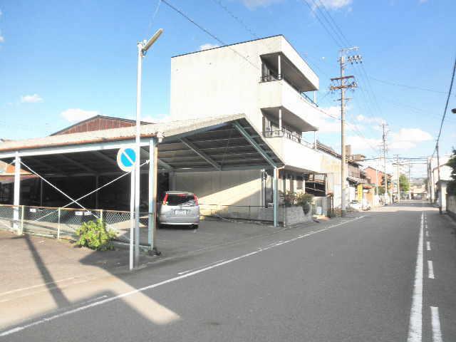 松降 第8 駐車場( 8台 )    屋根付き駐車場♪